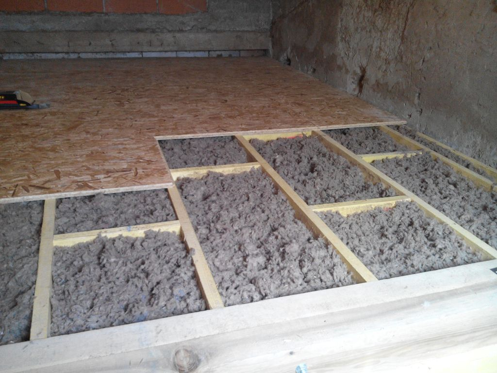 laine de verre humide excellent isoler toiture pare. Black Bedroom Furniture Sets. Home Design Ideas